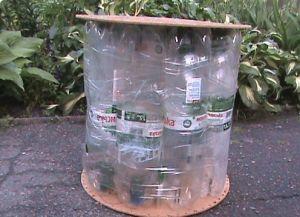 пуфик из пластиковых бутылок1