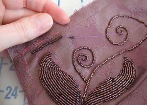 техника вышивки бисером 13