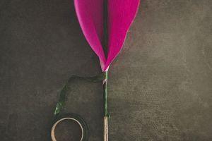 Большие цветы из гофрированной бумаги8