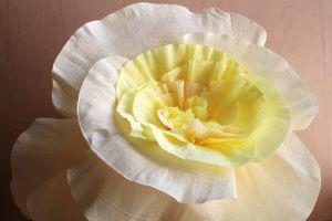 Большие цветы из гофрированной бумаги30