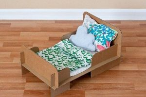 Как сделать кровать для куклы