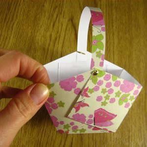 Как сделать из бумаги корзинку13