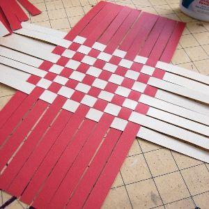 Как сделать из бумаги корзинку2
