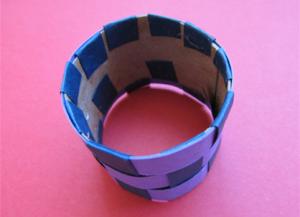 Как сделать кольцо из бумаги9