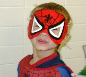 Как сделать маску человека-паука5