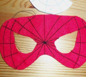 Как сделать маску человека-паука8