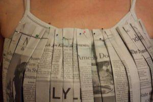 Как сделать платье из газет23