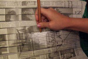 Как сделать платье из газет35