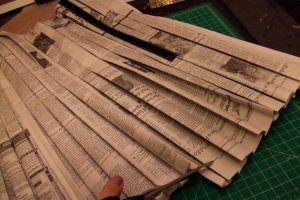 Как сделать платье из газет36