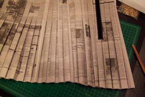 Как сделать платье из газет37