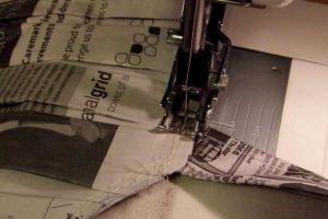 Как сделать платье из газет45