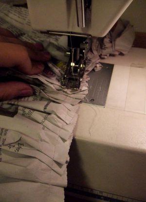 Как сделать платье из газет49
