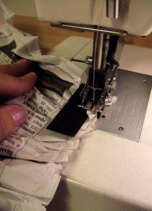 Как сделать платье из газет50
