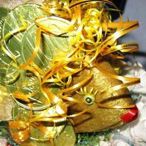 Золотая рыбка из конфет12