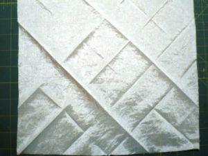 как украсить подушку лентами27