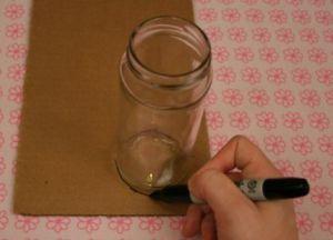 необычная ваза из картона 1