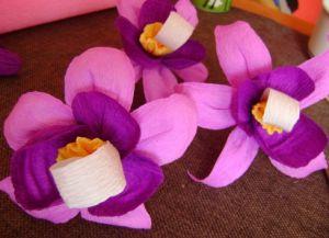 Орхидея из гофрированной бумаги12