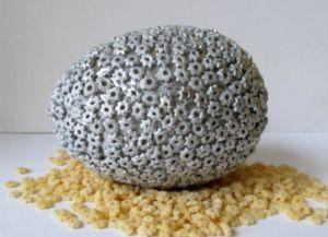 Пасхальное яйцо из макарон3