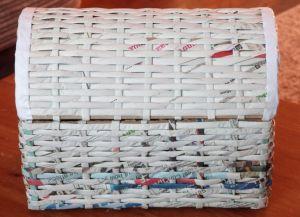 плетение сундука из газетных трубочек16