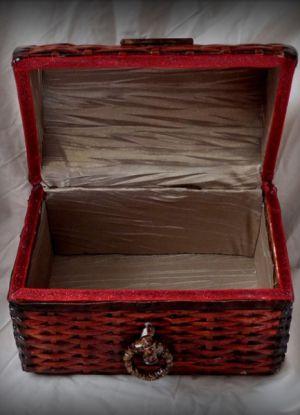плетение сундука из газетных трубочек22