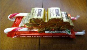 Санки из конфет своими руками6
