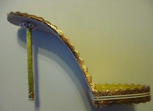 Туфелька из конфет - мастер-класс27