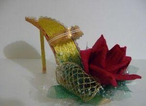 Туфелька из конфет - мастер-класс33