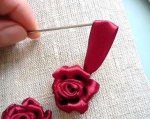 Вышивка лентами розы23