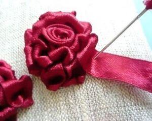 Вышивка лентами розы27