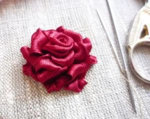 Вышивка лентами розы29