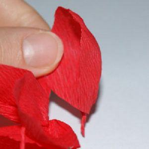 тюльпаны из гофрированной бумаги 6