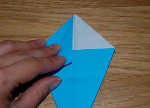 Как сделать лилию из бумаги 11