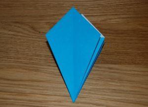 Как сделать лилию из бумаги 9