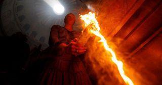 Шокирующая что правда относительно Благодатном огне на Иерусалиме