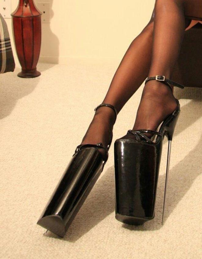 Туфли на высоченных каблуках (2)
