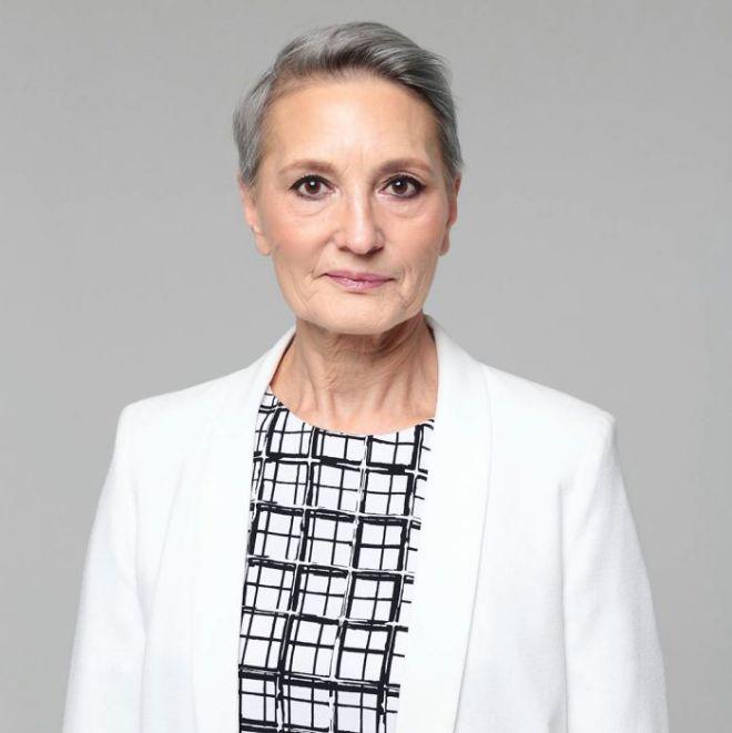 Людмила Бражкина в пиджаке