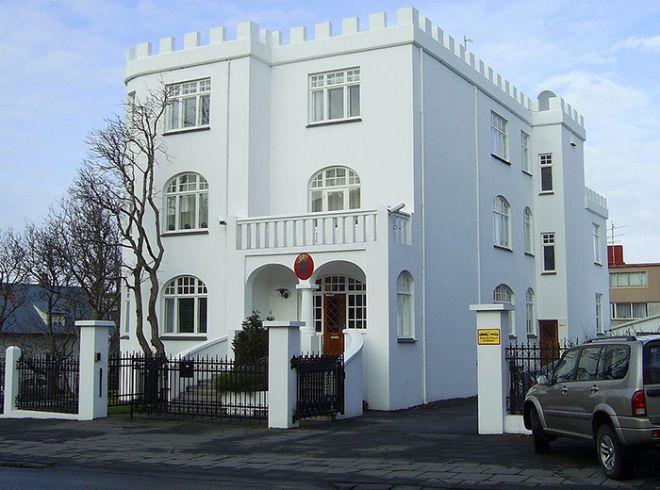 30 самых красивых и необычных посольств по всему миру
