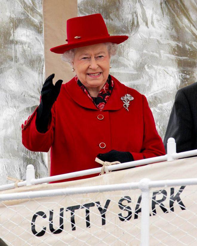Королева в красном