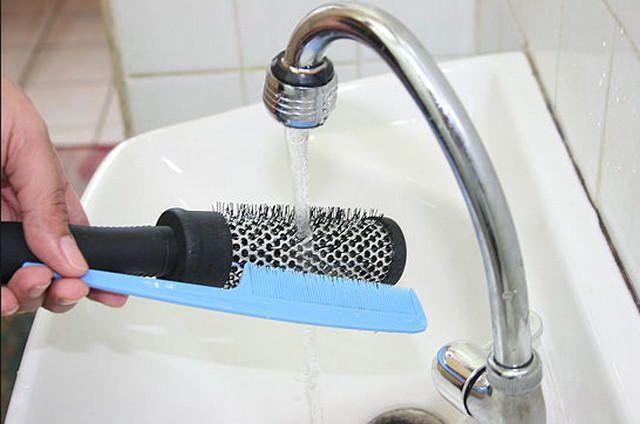 мытье расчески