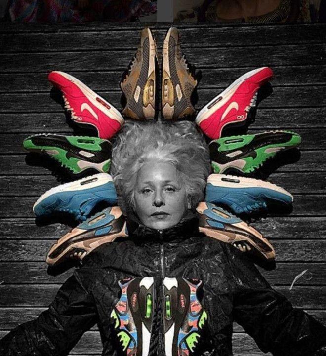 Женщина с кроссовками