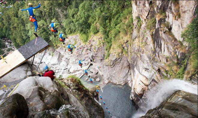 Самый высокий прыжок в воду.