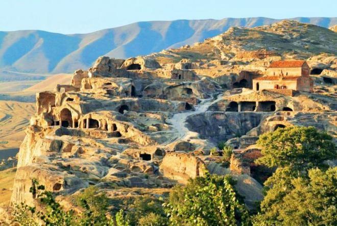 10 удивительных и уникальных мест для путешествия в Грузии