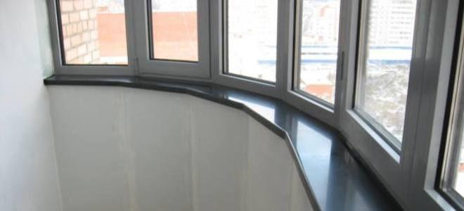 Установка подоконника на балконе.