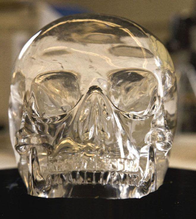 кварцевый череп