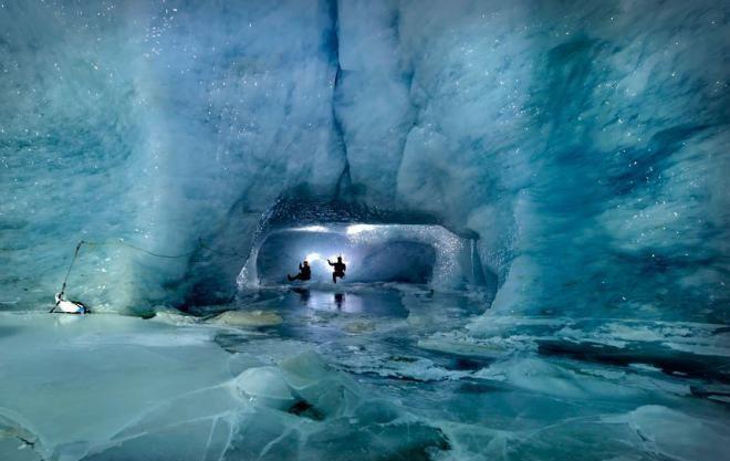 10 самых потрясающих ледяных пещер в мире