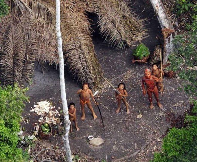 изолированные враждебные племена