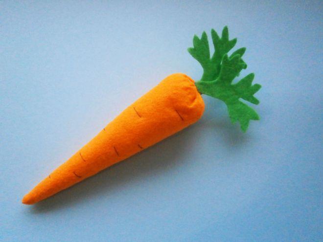 Морковка из фетра11