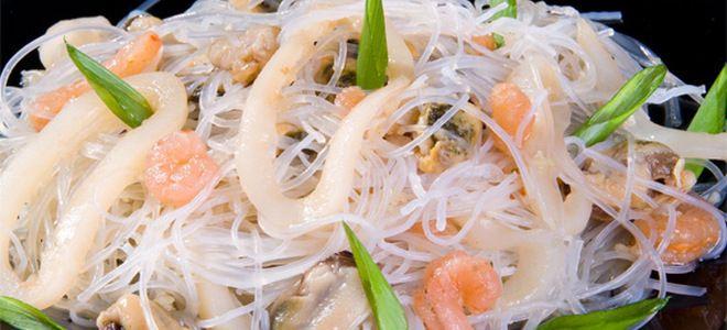 фунчоза с креветками и кальмарами рецепт
