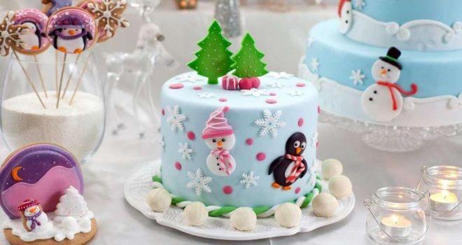 новогодний детский торт, украшенный мастикой