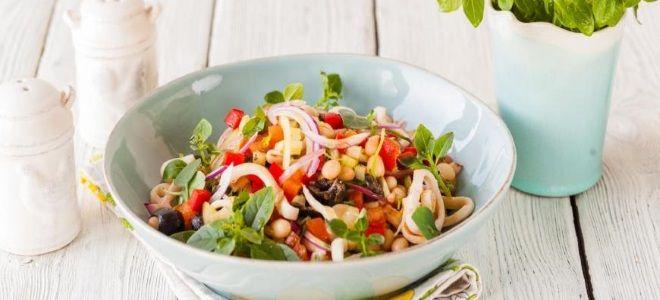 постный салат с кальмарами и фасолью